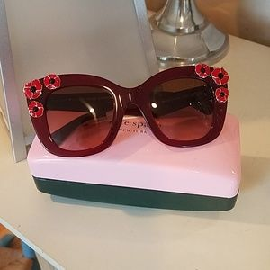 Authentic kate spade Sunglasses New/tag & case